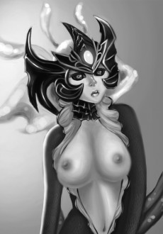 Nami black and white